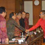 Rapat Paripurna Dewan Sampaikan Tanggapan Terhadap Pendapat Gubernur